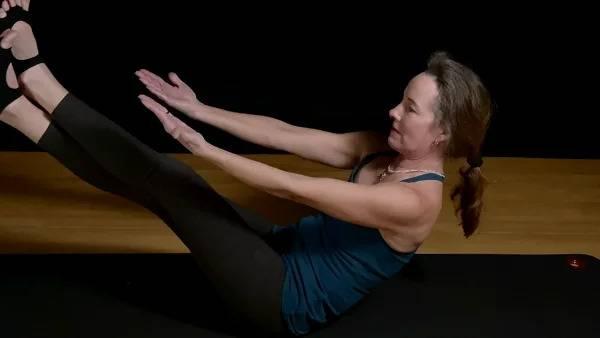 Pilates Mat Boomerang